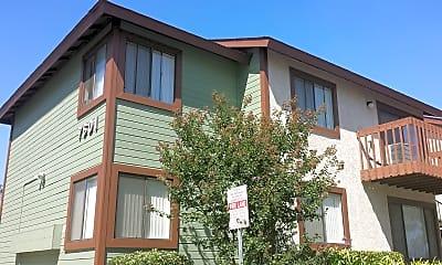 Building, Aspen Pines Apartments, 0