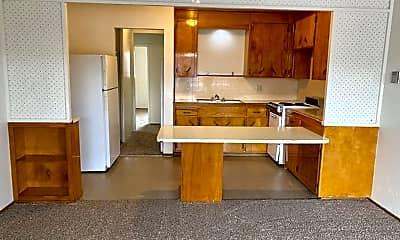 Living Room, 504 E Elm St, 0