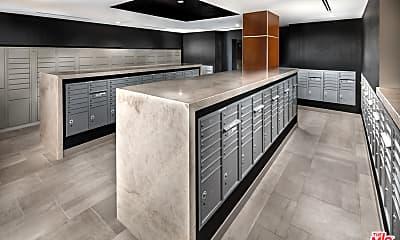 Kitchen, 687 S Hobart Blvd 721, 2