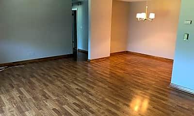 Living Room, 400 Thames Pkwy 2G, 1