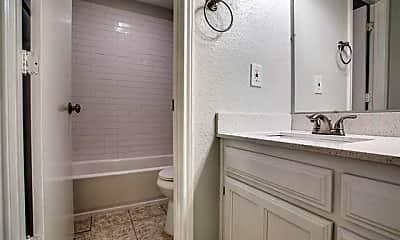 Bathroom, 2805 Meadow Park Dr C, 2
