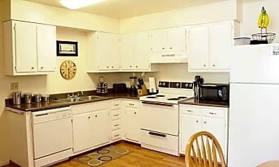 Kitchen, Linden Colonial, 0