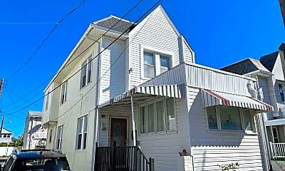 Building, 115 N Newport Ave, 2