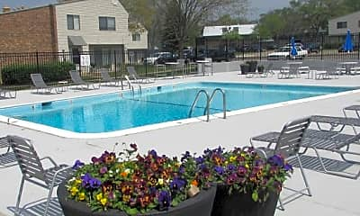 Pool, Townhomes at Highcrest, 2