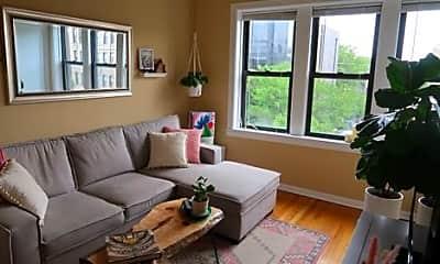 Living Room, 1402 N Ashland Ave, 1