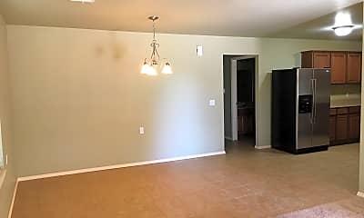 Living Room, 567 N Walker, #21, 2