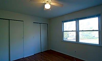Bedroom, Holmdel Pointe, 2