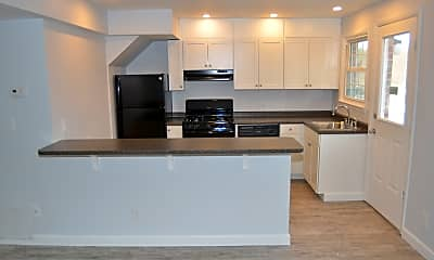 Kitchen, Townhomes at Meadowbrook Village, 0
