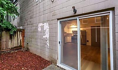 Patio / Deck, 2250 NW Kearney St, 0