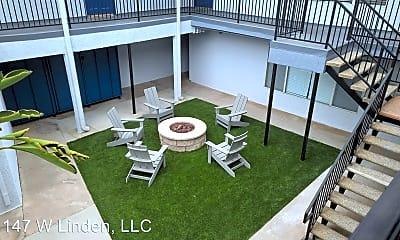 Living Room, 1147 W Linden St, 2