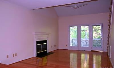 Living Room, 1015 Oak Lake Ct, 1