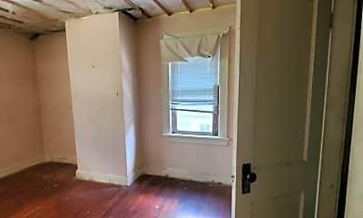 Bathroom, 614 S Warren Ave, 2