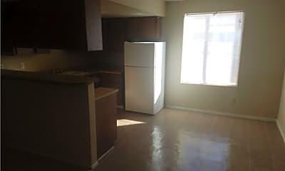 Living Room, 4332 N Vornsand Dr 3, 1
