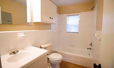 Bathroom, 504 Crown St, 2