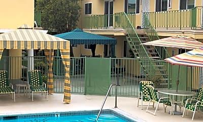 Villa Capri Apartments, 2
