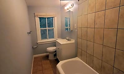 Bathroom, 17 E Federal St, 2