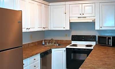 Kitchen, 1179 Pine Ridge Cir W A1, 1
