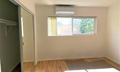Bedroom, 561 N Sweetzer Ave 2, 2