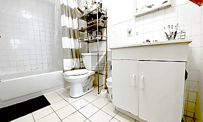 Bathroom, 199 Pacific St, 2