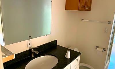 Bathroom, 20185 Thelma Ave, 2