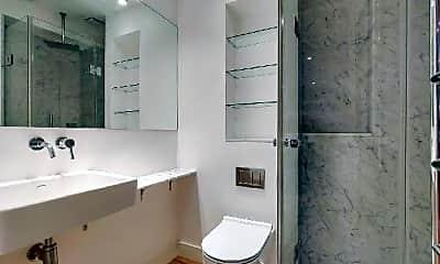 Bathroom, 407 University Ave, 2
