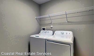 Bathroom, 861 SW Thrift Ave, 2