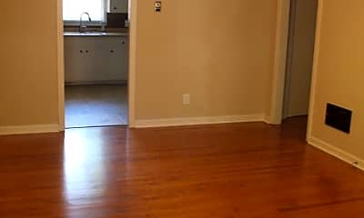 Living Room, 218 Cochran Rd, 1