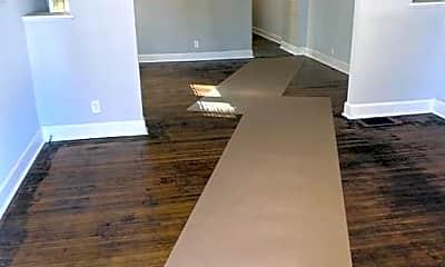 Living Room, 724 N Denny St, 1