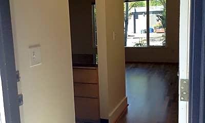 Living Room, 4050 SE Gladstone St, 1