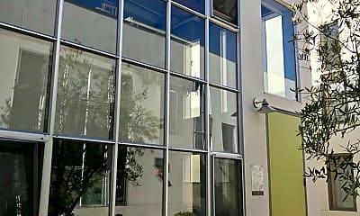 Building, 742 1st St W, 0