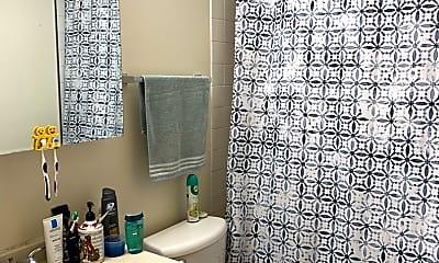 Bathroom, 692 Quincy Bridge Ln 302, 2