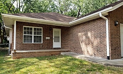 2101 S Oak Grove Ave, 2