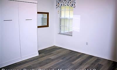 Bedroom, 5180 Park Rd, 2