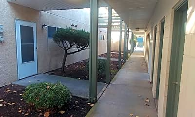 Patio / Deck, 530 13th St NE, 2