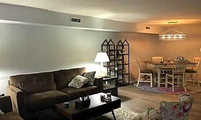 Living Room, 3112 Grant Ave, 2