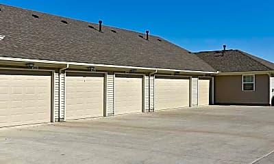 Building, Spring Meadow Apartments, 2