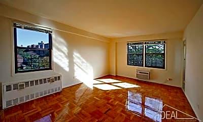 Living Room, 7419 Ridge Blvd, 0