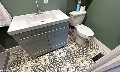 Bathroom, 1410 Homewild Ave 1, 2