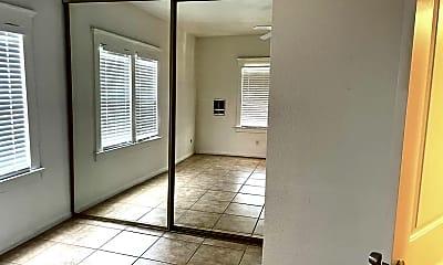 Bathroom, 204 E 2nd Ave, 2