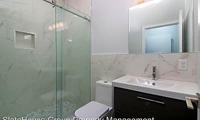 Bathroom, 2122 N 7th St, 1