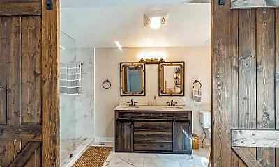 Bathroom, 17 Ferndale Rd, 2