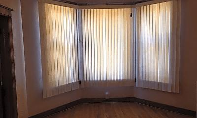 Living Room, 3927 W Flournoy St, 2