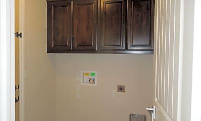 Kitchen, 5058 NE Viking Ln, 2