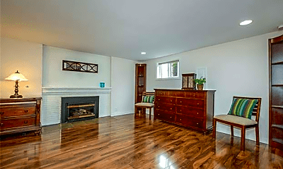 Living Room, 3425 24th Ave S, 2