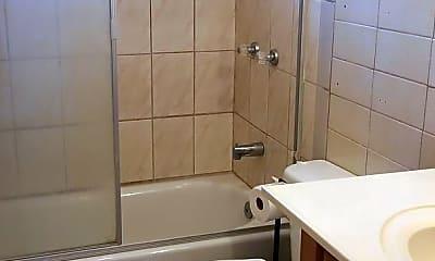 Bathroom, 45-1133 Grote Rd, 1
