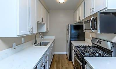 Kitchen, 1119 E Elk Ave, 2