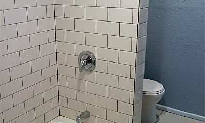 Bathroom, 3111 Mason St, 2