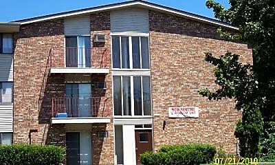 Building, 10628 W Bobolink Ave, 1