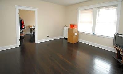 Living Room, 4822 W Hutchinson St, 2