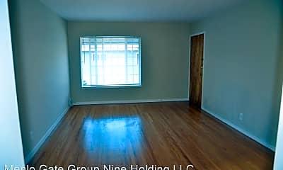 Living Room, 1694 Kentfield Ave, 1